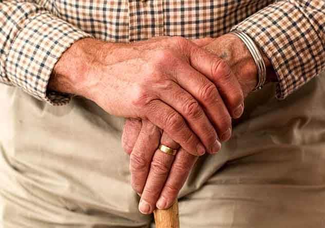 Gelenkrheuma Symptome & Beschwerden erkennen und lindern