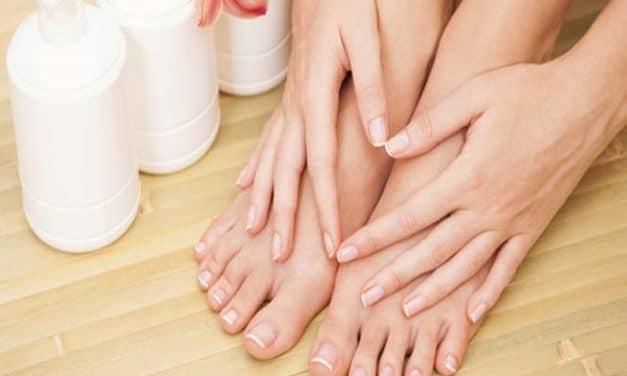 Hornhaut entfernen: Harte Haut am Füße & Hände behandeln?